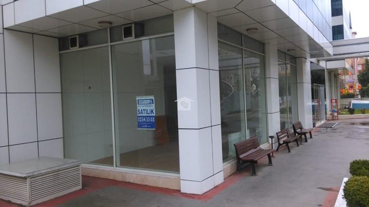 Bankadan Satılık Pendik'te Yakacık Metro yanında Ofis / Dükkan