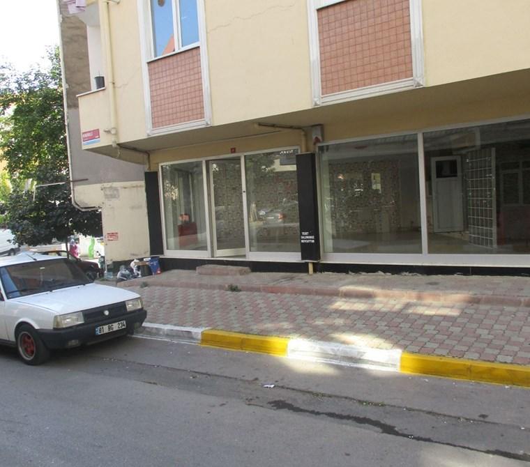 Ön kullanımlı Cadde cepheli Depolu Dükkan
