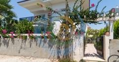 Çalış plajına 300m olan, Lüx Villa katı 1+1kiralık daire