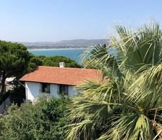 İzmir Çeşme Paşalimanı Denize yakın Müstakil Satılık Villa