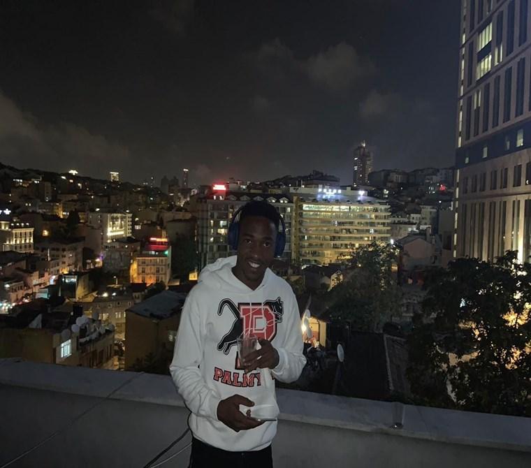 taksim terrace sehir manzara metro 5 dk 8 kısılık Hostel