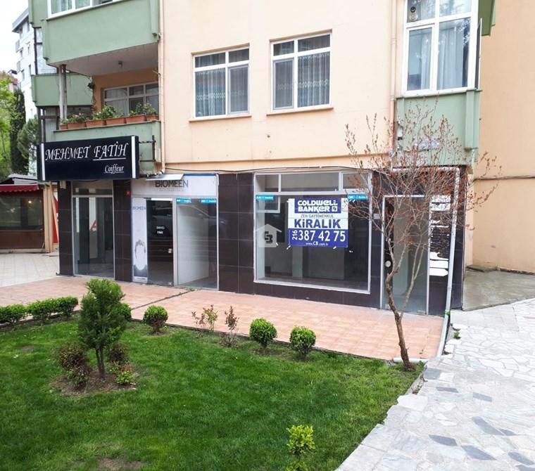 Kartal Atalar Kordonboyu'nda Kiralık Dükkan