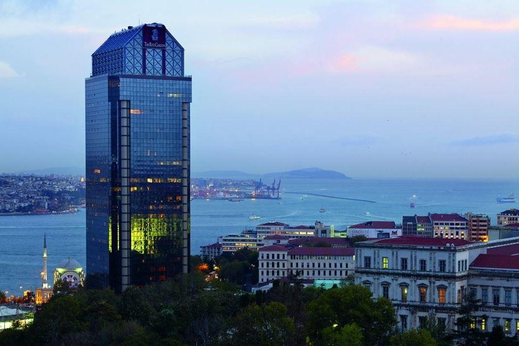 Ritz Carlton Residence'ta Boğaz Manzaralı Satılık Daire