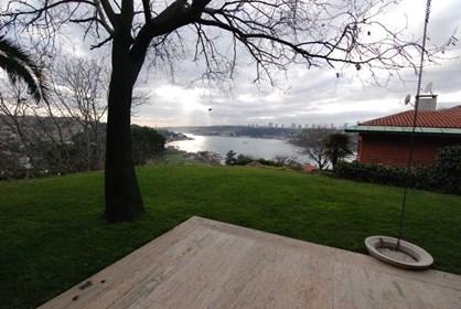 Anadolu Hisarı'nda Boğaz Manzaralı Kiralık Villa