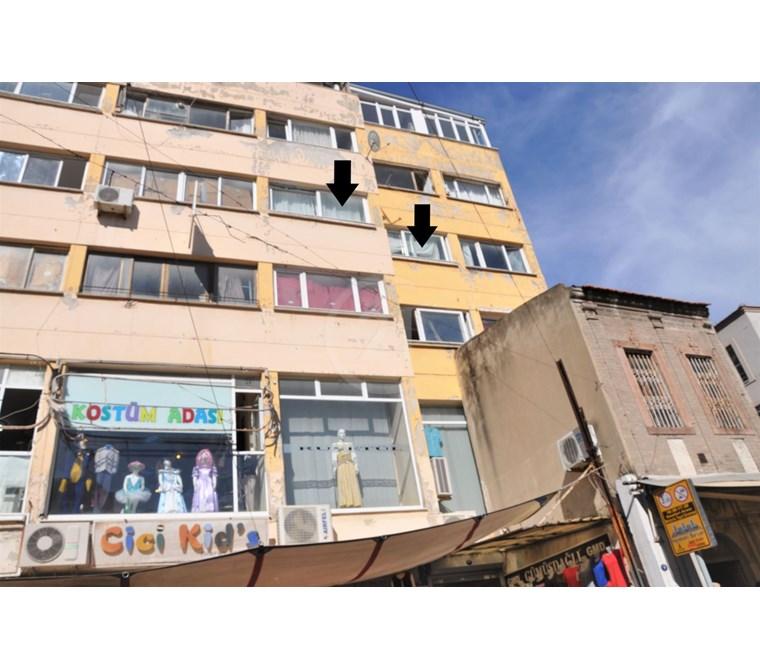 İzmir Kemeraltı Kestelli Caddesinde Kiracılı Satılık Dükkan/Ofis