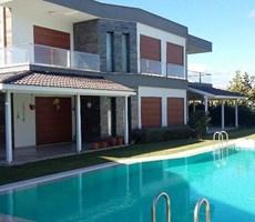 İzmir Çeşme Dalyan Denize Yakın Müstakil Havuzlu Satılık Villa