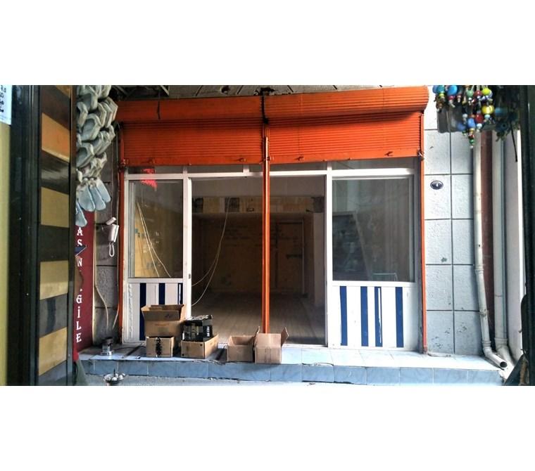 Tarihi İzmir Kemeraltı Çarşısında 36 m2 Kiralık Dükkan