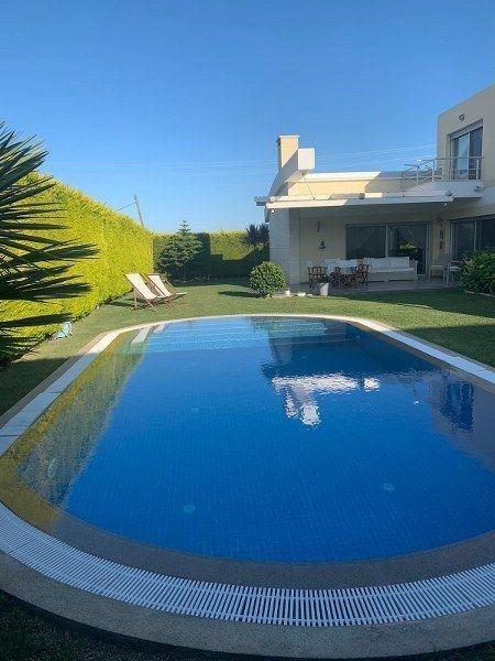 İzmir Çeşme Müstakil Havuzlu Lüks Satılık Villa