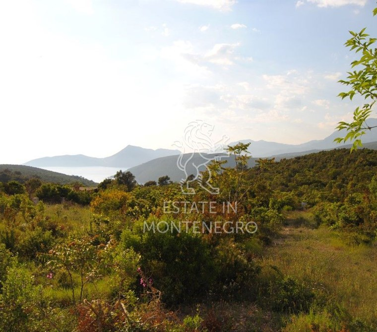Herceg Novi'de 370m² Satılık Deniz Manzaralı Kentsel Arsa