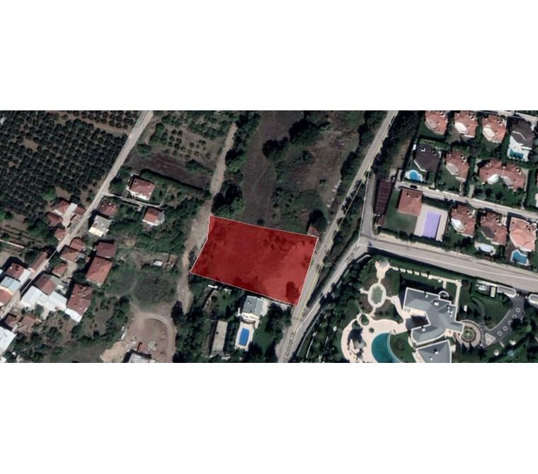 Mudanya Bademli'deAna yola cepheli Satılık 2.800 m2 Ticari Arsa.