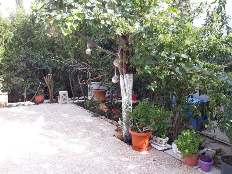 Bahçelievlerde Müstakil Bahçeli 3+1 Daire