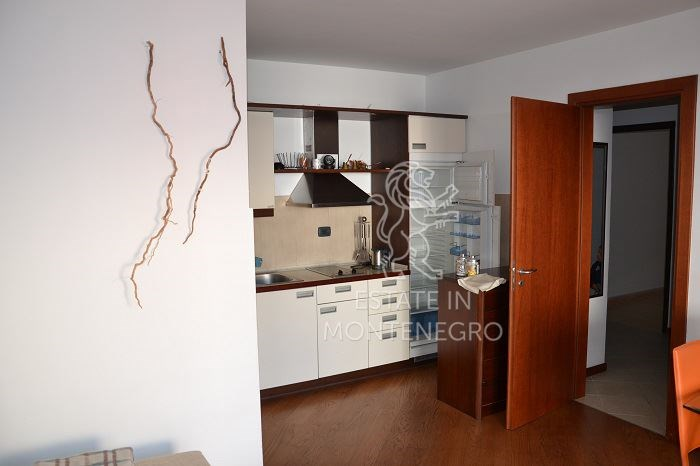 Rafailovici, Budva'da Deniz Kenarında 57m² Satılık 1+1 Daire...