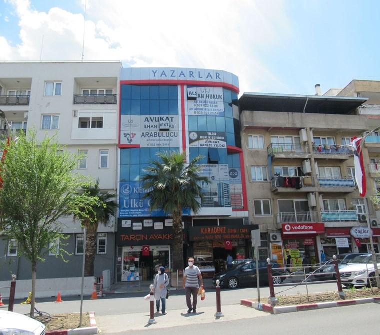 Kemalpaşa Merkezde Satılık 2+1 Ofis 100 m2