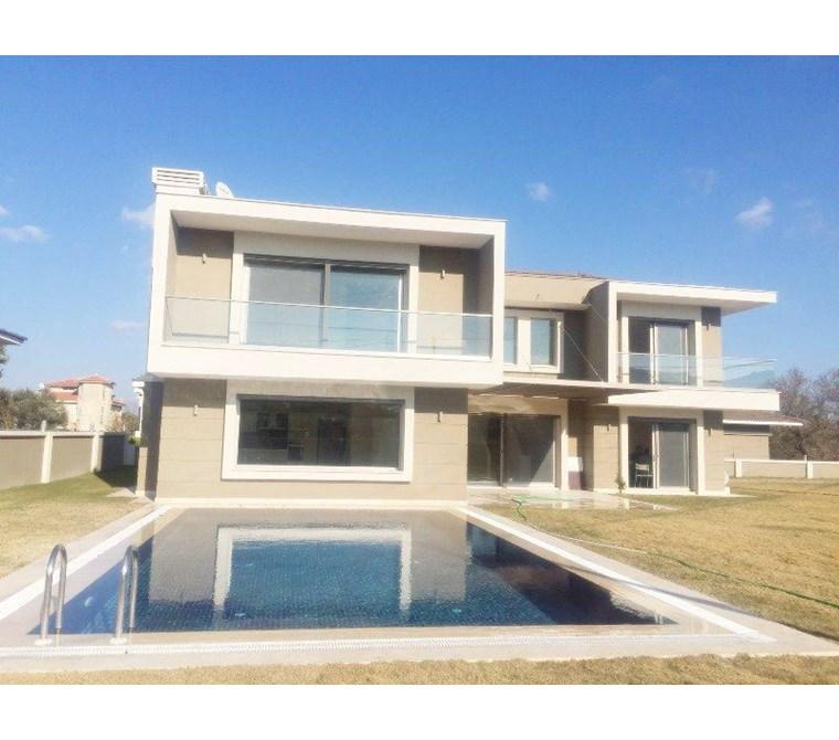 İzmir Çeşme Mamurbaba Satılık Villa