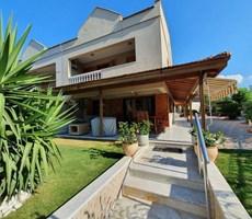 İzmir Çeşme Ilıca Denize Yakın Müstakil Bahçeli Satılık Villa