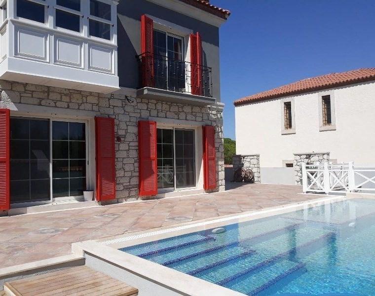 Çeşme Alaçatı Satılık Taş Ev / Villa