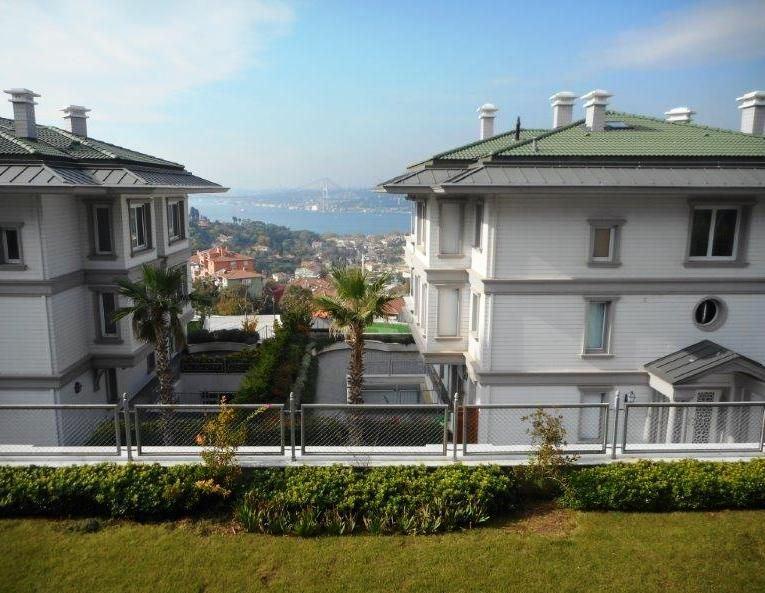 Çengelköy Sultan Makamı'nda Boğaz Manzaralı Bahçe Dubleksi