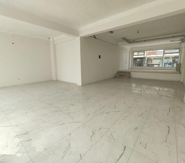 Karşıyaka Girne Caddesi Yakını 130 m2 Satılık Dükkan