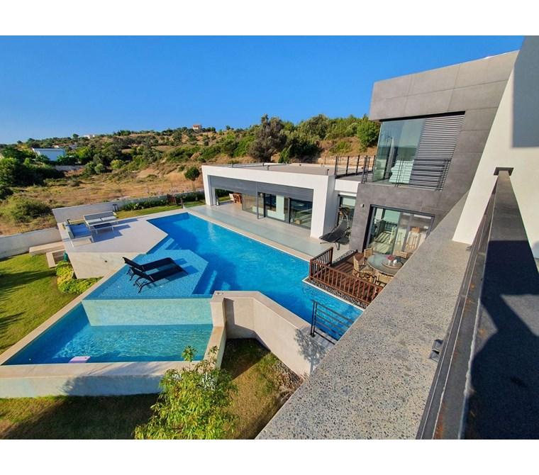 Çeşme Ovacık Müstakil Satılık Özel Ultra Lüks Villa