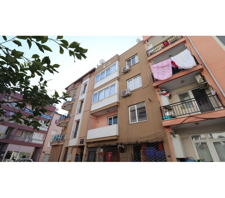 Kemalpaşa M. Akif Ersoy Mah. Satılık 3 Katlı Komple Bina