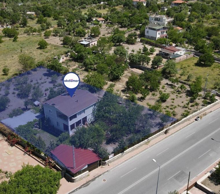 AKDAMAR - Altınoluk Mah Seher Bulv. Üzeri 2300 m2 Arsalı Villa