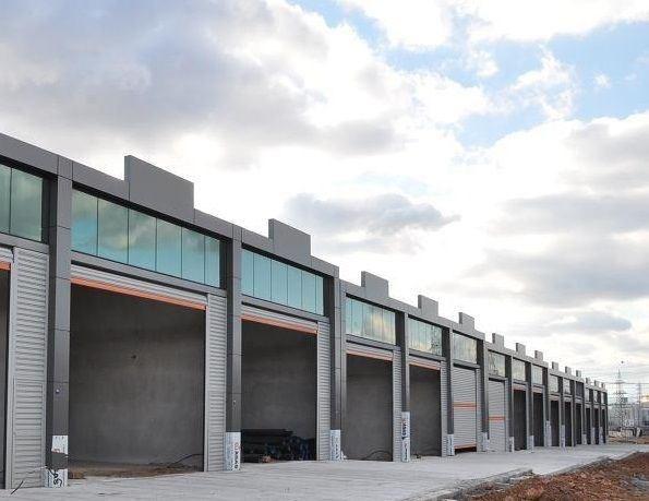 Aliağa Sanayi Sitesinde 156 m2 Kiralık Dükkan