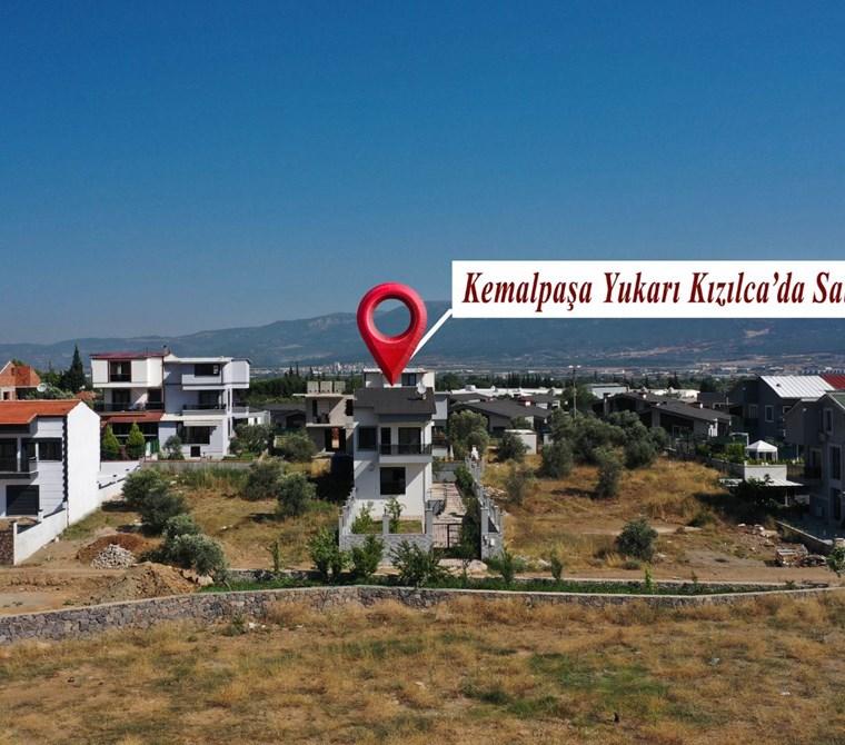 Kemalpaşa Yukarıkızılca'da 4+1 Satılık 150 m2 Tripleks Villa