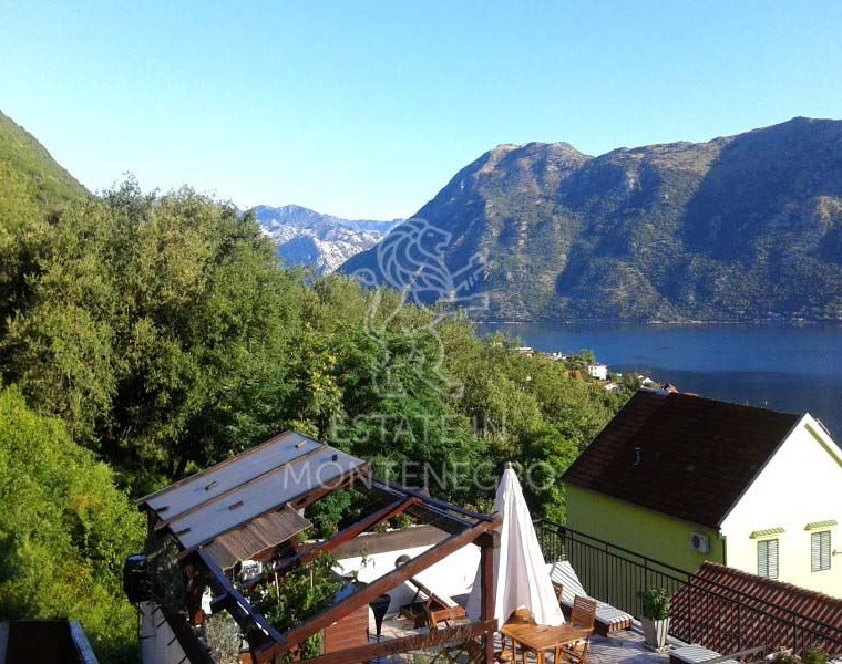 For Sale House in Prcanj, Kotor, 106m²
