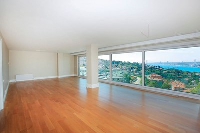 Roof Duplex with Magnificient Bosphorus View for Sale in Çengelkoy