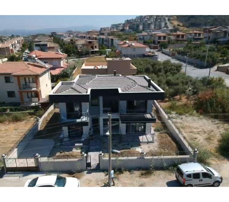 Güzelçamlıda Ana yol yakını deniz manzaralı sıfır müstakil villa