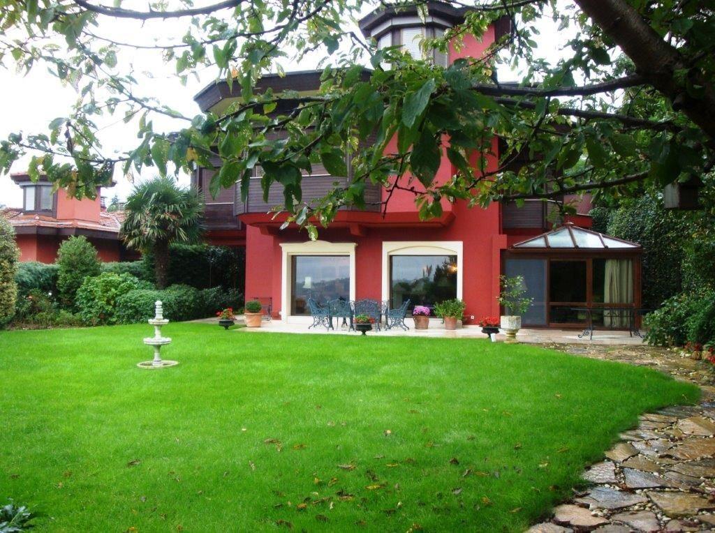 Vaniköy Evleri'nde D Tipi İskanlı Satılık Villa