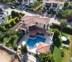 Bellapaiste İngiliz okul bölgesinde havuzlu satılık villa!