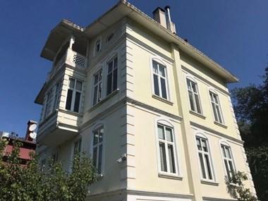 Çengelköy Havuzbaşı'nda Satılık Müstakil Ev