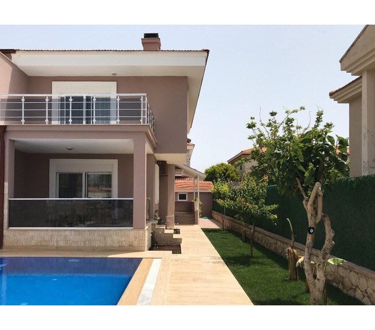 İzmir Çeşme Alaçatı Kiralık Müstakil Villa