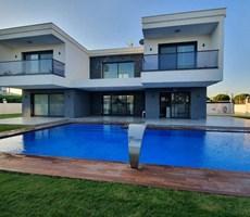 İzmir Çeşme Mamurbaba Havuzlu Lüks Satılık Villa