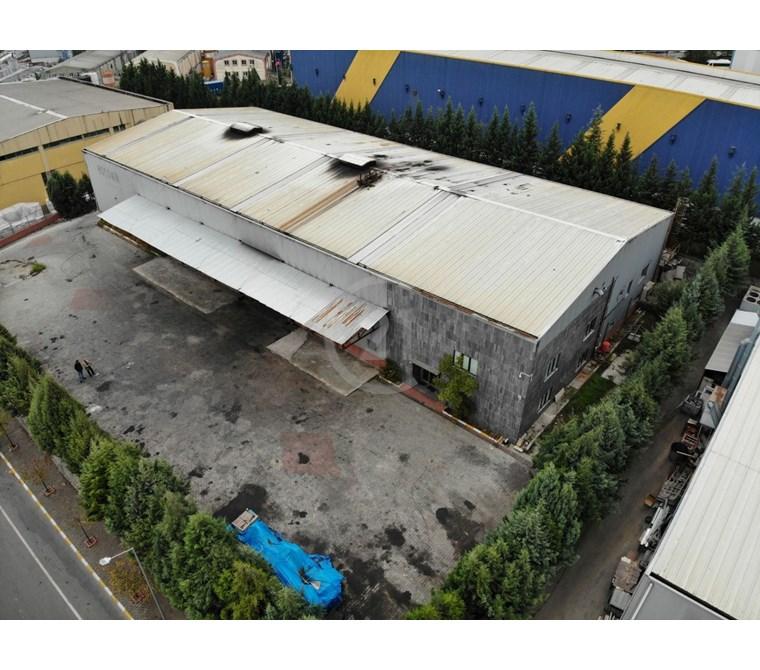 Tuzla OSB'de 1.900m2, Vinçli, Şirketten Kiralık Fabrika