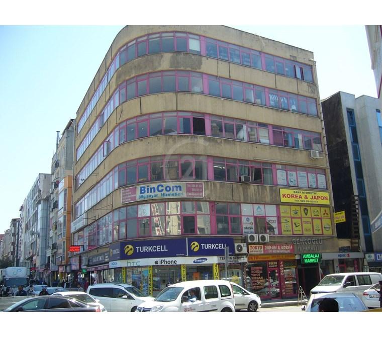 Aksaray meydanda satılık 3200 m² ticari bina otel için çok uygun
