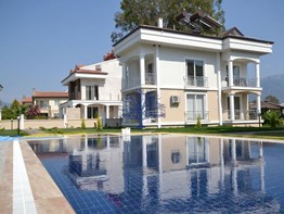 Fethiye Foça mh. satılık daire site havuz bahçeli eşyalı 2+1 90m