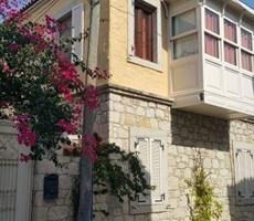 İzmir Çeşme Alaçatı Müstakil Satılık Taş Ev Villa