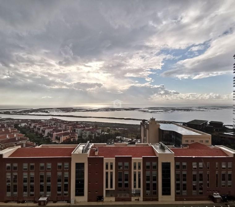 Karşıyaka Mavişehir Albatros Deniz Havuz Manzaralı Satılık 4+1