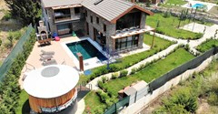 Detached luxury villa for sale in Fethiye Yaniklar 1400m² in the garden with 5 bedrooms