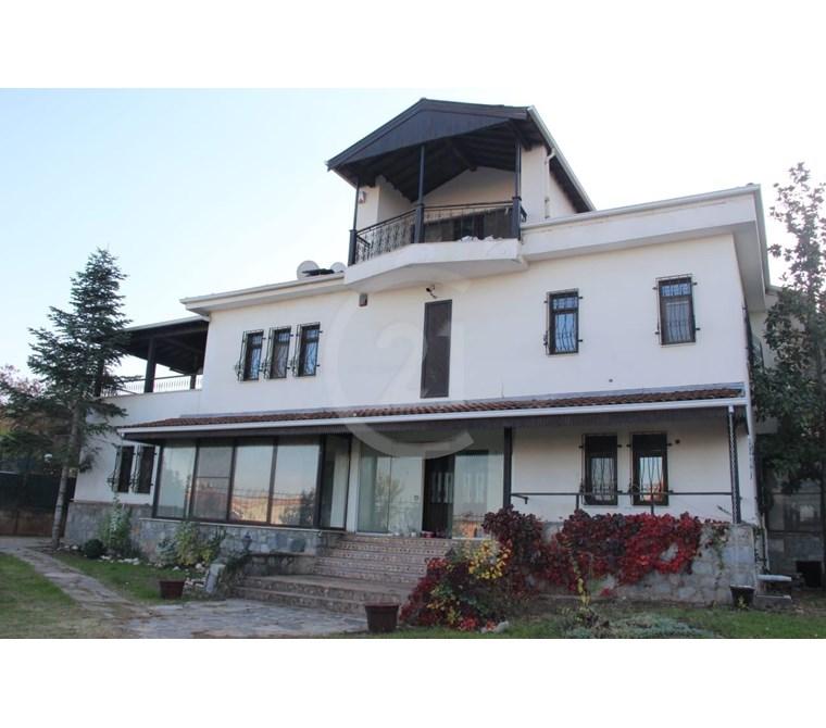 Servergazi Yenişehir Bölgesinde Kiralık 1000 m2 Komple Bina