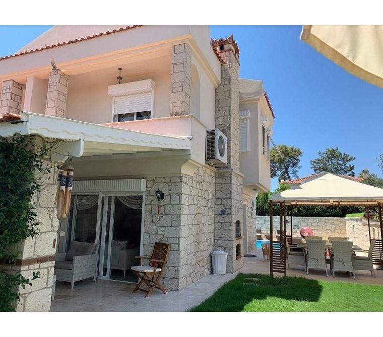 İzmir Çeşme Alaçatı Müstakil Satılık Villa