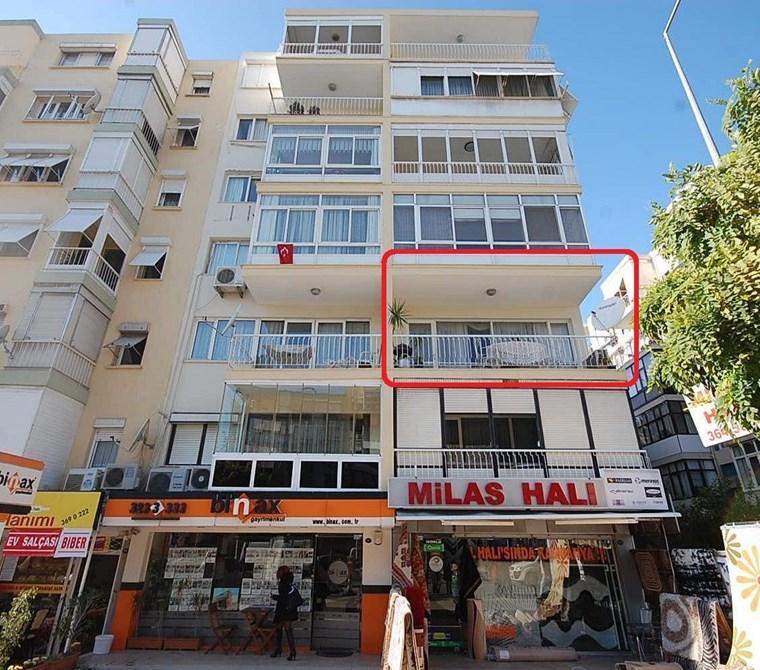 Karşıyaka Girne Bulvarında 125m2 Satılık Daire.