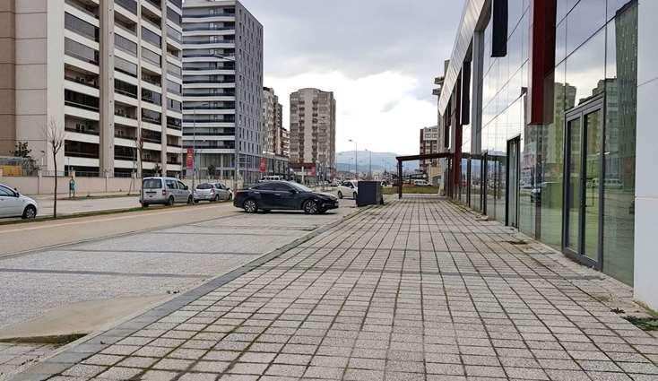 1952- ELFİ DEN 23 NİSAN MAH. CITY-224'TE KİRALIK 260 m² DÜKKAN