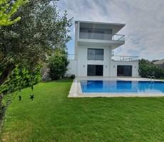 İzmir Çeşme Mamurbaba Denize Yakın Müstakil Satılık Lüks Villa