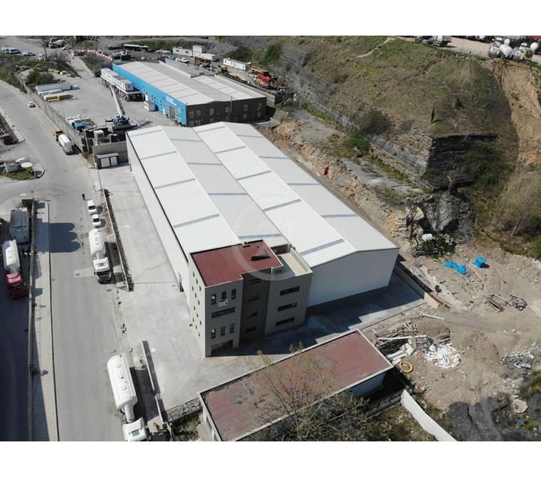 Dilovası OSB'de 3.000m2 15 tonluk Vinçli, Kiralık Fabrika