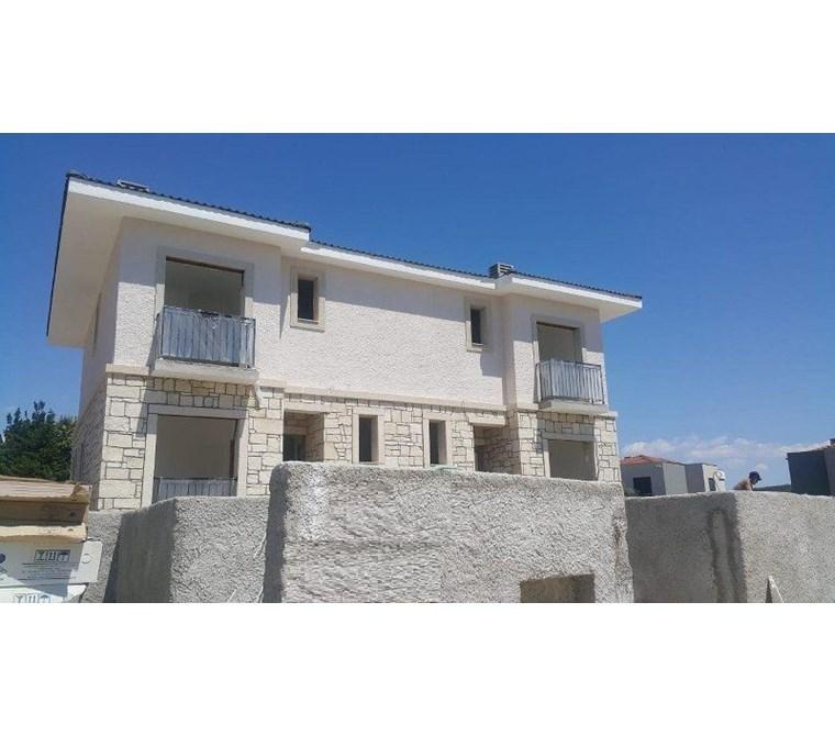 İzmir Çeşme Üst Boyalık Havuzlu Satılık Müstakil Villa