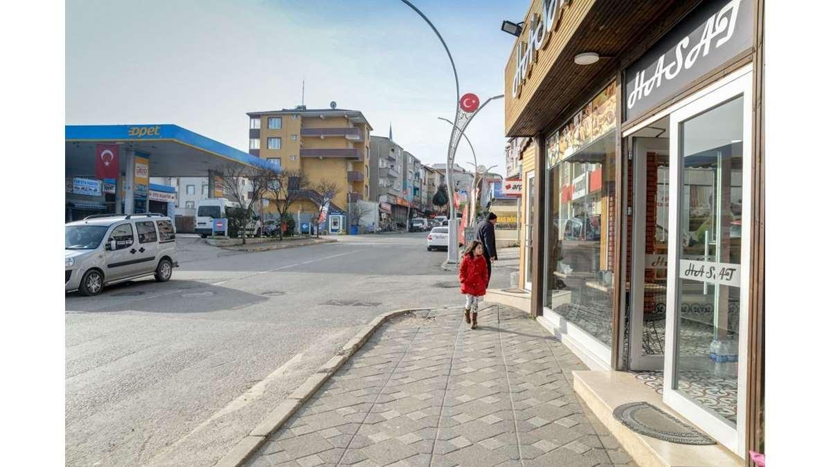 BÖLGE GAYRİMENKULDEN KOMPLE TİCARİ 3 YOLA CEPHE FIRSAT ARSA