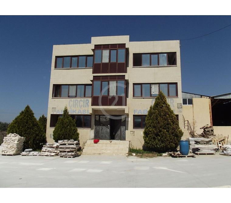 İzmir Asfaltı Üzerinde Satılık Fabrika